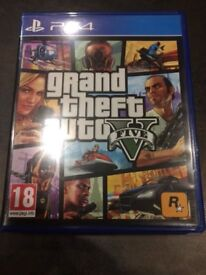 GTA 5 PS4 ( with map ) great condition