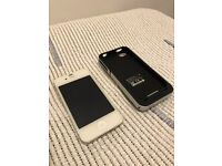 iPhone 4S 32gb with Mophie Charging Case / Not 5s 6 7 plus