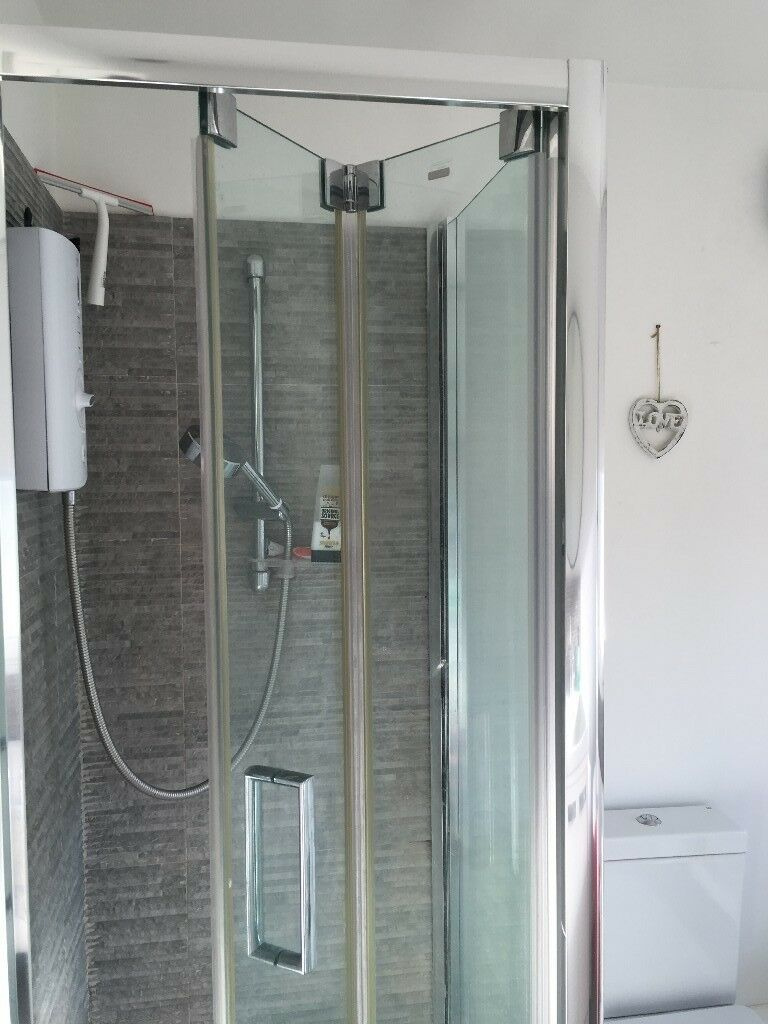Bi Fold Shower Enclosure 760 X 760 And Tray In Brighton East