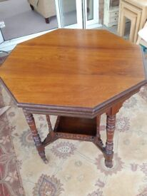 Antique mahogany table. Good condition but has a small split on the top. See photos. 77 CMS across.