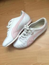 Ladies Puma leather trainers size7