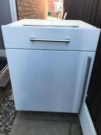 Whirlpool intergrated fridge