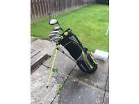 Dunlop men's right handed golf clubs