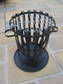 Fire basket and barbeque grill