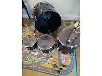 Mapex Saturn 2020 drum kit