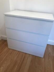 Ikea MALM 3 drawer// gloss// perfect condition// collection only