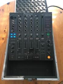 * SOLD * Pioneer DJM 800 Mixer