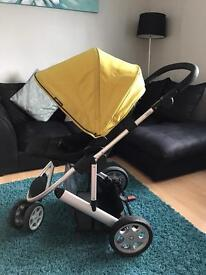 Zoom mamas and papas travel system.