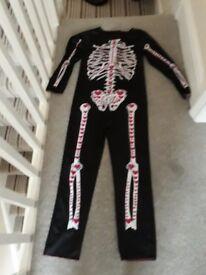 Girls skeleton costume 9-10yrs