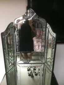 Mirrored set of drawers dressing table mirror