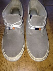 Vans Off The Wall Suede Beige/Grey Boots Size 3.5 - Good Condition