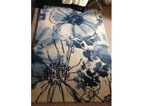 Blue floral rug 120x170
