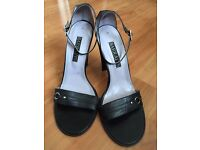BARRETTS Black Heels - size 8