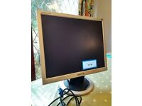 "Samsung SyncMaster 913N - LCD monitor - 19"" Series"