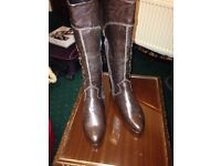 Ladies brow boots size 4