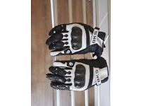 BKS Motorbike gloves *Nealry new*