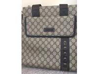 Elegant Gucci bag/Cross body bag