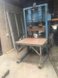 Stone guillotine