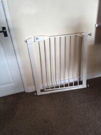 Baby gate £10