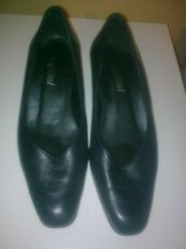 ladies shoes size 5 and half