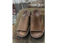 MENS LEATHER SANDALS - STONE CREEK BRAND - SIZE 7 - LEATHER BROWN SANDALS