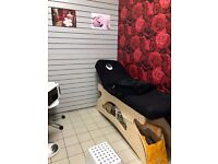 Beauty Salon Available to Let - ALSO RETAIL UNITS AVAILABLE TO LET TOO! IN ROYS MARKET, NORTHFIELD