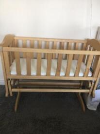 Swinging crib with mattress, bedding and bumper set