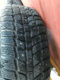Snow tyres 175 65 14 . Excellent tread