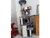 Cat tower/scraching post as new condition