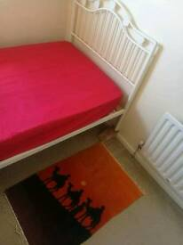 Single bed room and double bed room To Rent