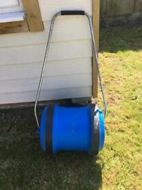 Aqua roll with handle