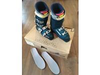 Women's Lange ski boots size 8