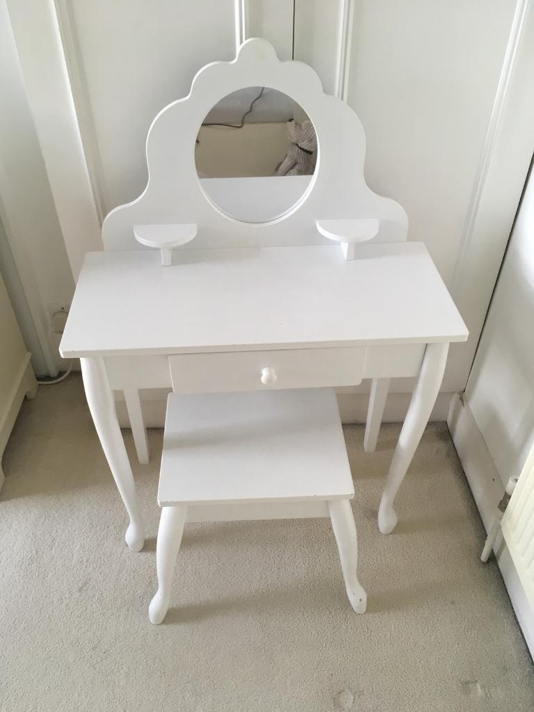 kidcraft girls dressing table and chair