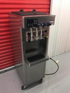 2014 stoelting ice cream and yoghurt machine, like New ! f231 $ price reduced!!