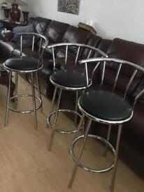 Chairs/ high stools