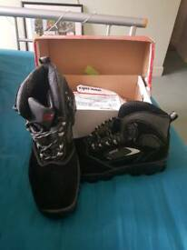 COFRA SAFETY BOOTS BRAND NEW SIZE 8
