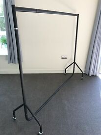 Large Clothes Rail - Matt black