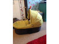 mamas and papas urbo carrycot,can be used as a bed for overnight