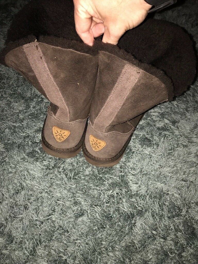 Brown Dije ugg style boots   in East Kilbride, Glasgow   Gumtree