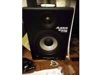 Alesis m1 active 520 USB studio speakers