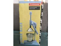 Typhoon squeeze citrus juicer