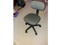 Child's adjustable chair, ideal for use at a desk