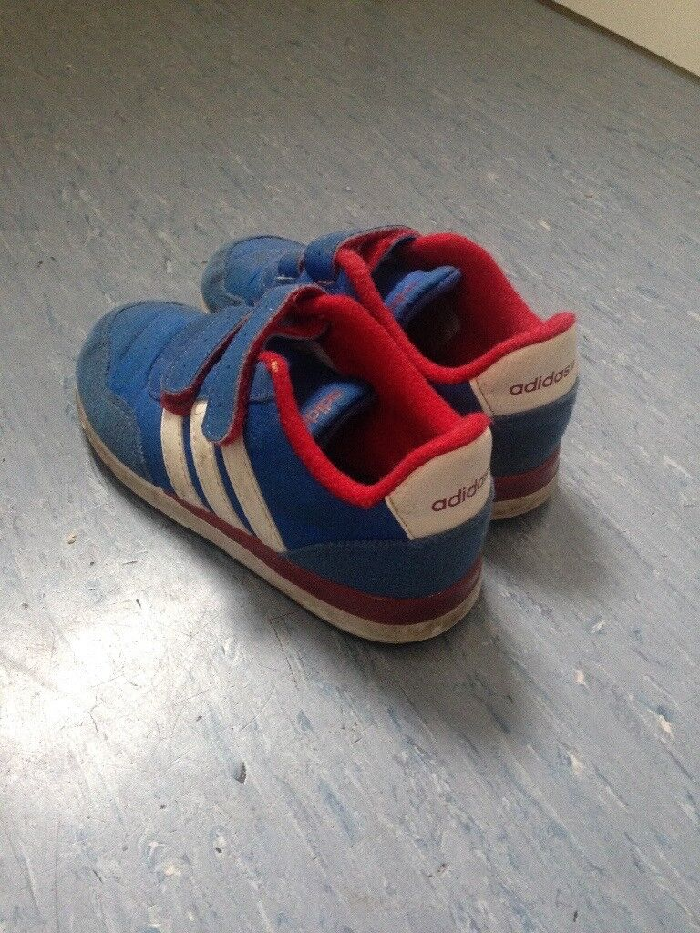 Size 9.5 child's adidas trainers
