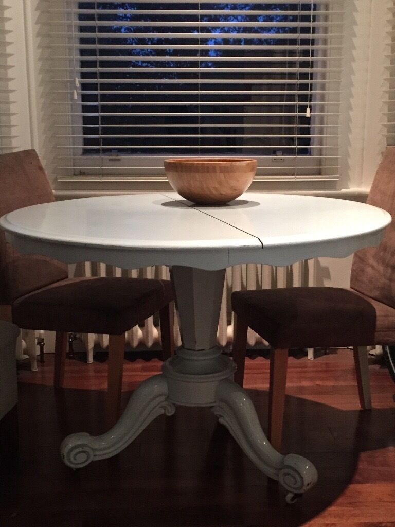 Vintage Shabby Chique Dining Table - looks amazing in contemporary colour