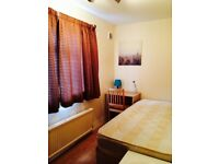 LOVELY BRIGHT SINGLE ROOM , 8 MNT EAST INDIA DLR, 5 MNT CANNING TOWN, CANARY WHARF,291706