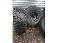5 BFGoodrich Mud Terrain Tyres and 5 stud wheels off Landrover 90