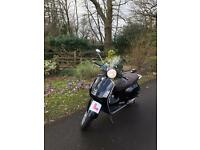 VESPA GT 2004. Low mileage. All black