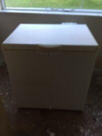 Chest freezer medium / large size