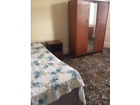Large sunny room to let to single person/student