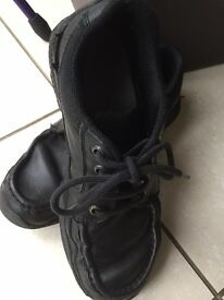 Rhino Startrite DYLAN 6.5F Boys Black school Shoes - USED but wear left in them!